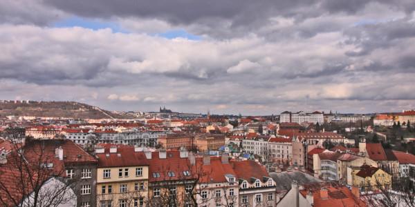 Praha a jednotlivé městské části letos privatizují 2 400 bytů